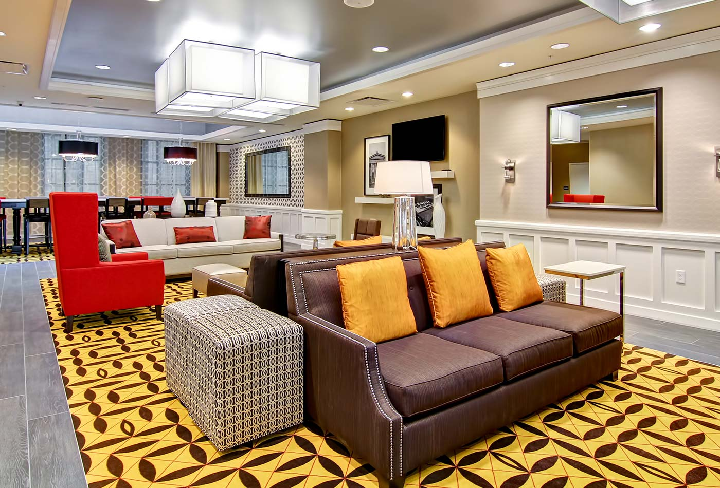 Hampton Inn & Suites Cincinnati–Downtown